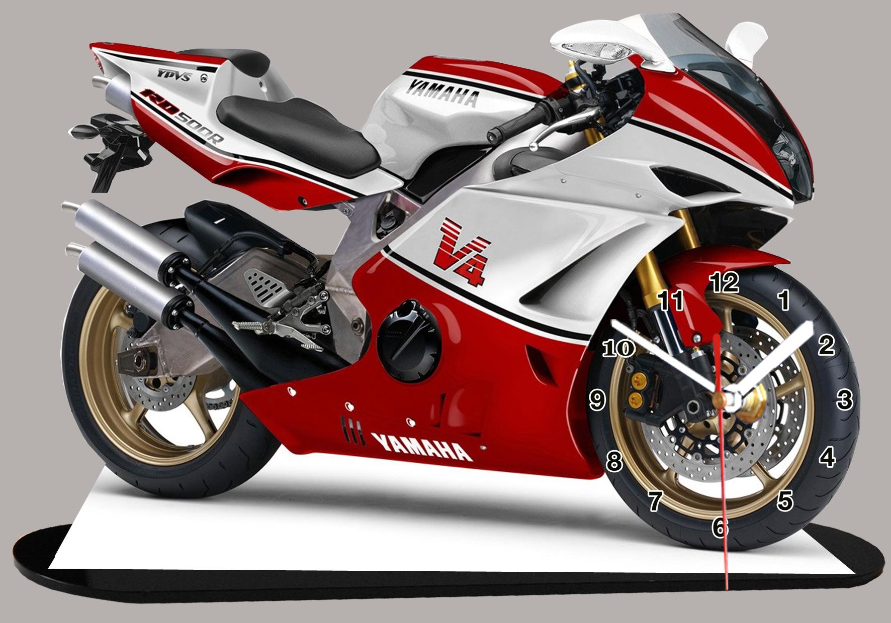 moto yamaha v4