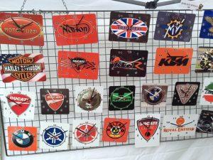 motos horloges logo murales